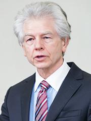 ジャック・E・ヘニングフィールド博士 ジョンズ・ホプキンス大学 医学部(精神医学・行動科学)教授